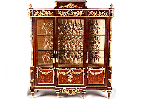 French Louis XVI style ormolu-mounted veneer and marquetry inlaid China Cabinet after the model by Frédéric Durand et Fils, based on a model by Martin Carlin